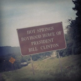 hot springs bill clinton road sign