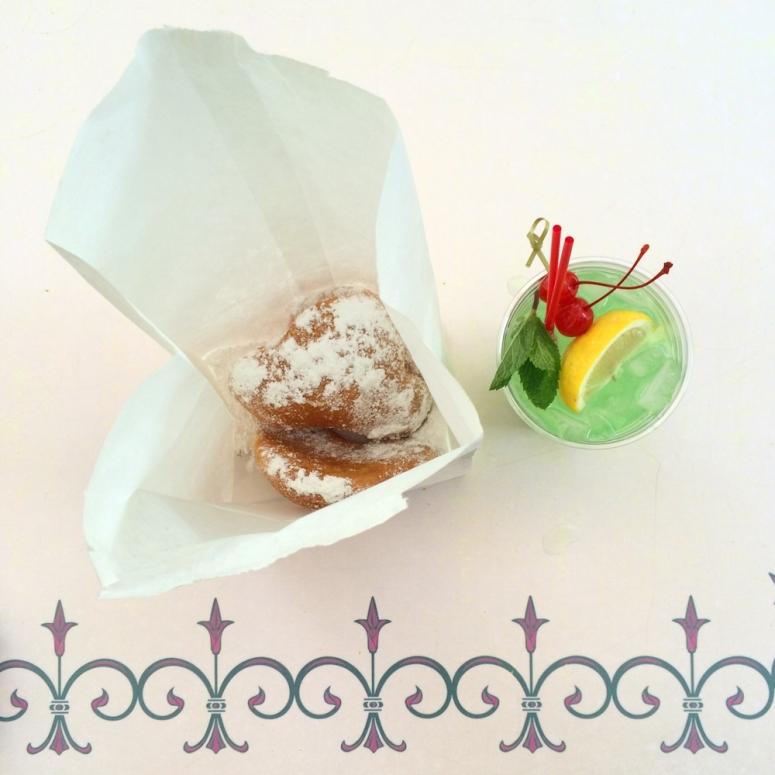 disneyland-mint-julep-bar-beignets