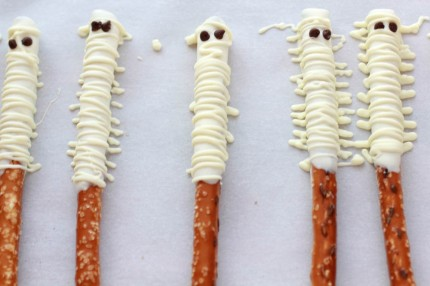 halloween-mummy-treats2