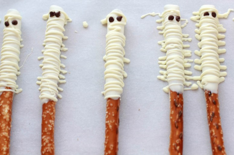 halloween-mummy-treats2