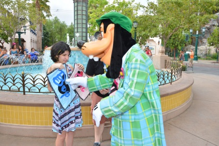disneyland gender guessing game pregnant goofy